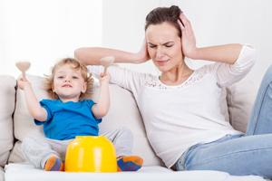 小孩眼睛肿是肾有问题吗