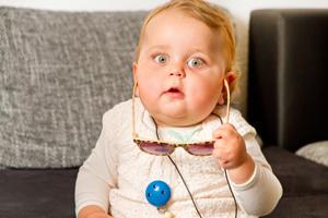 小孩耳朵痛怎么回事呀