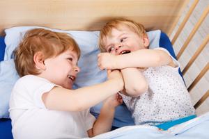 小孩臉上起紅疹子是怎么回事