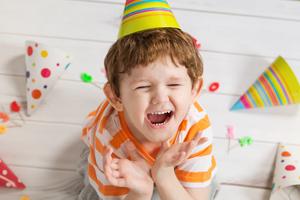 小孩总是吐口水是胃有问题吗