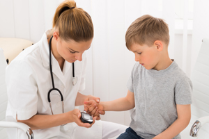 小孩为什么会得白血病