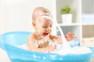 五個月嬰兒每天應該喝多少水