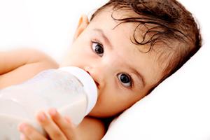 婴儿血液感染是怎么引起的