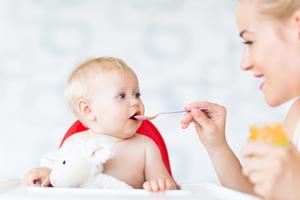 五个月的宝宝弯到腰了怎么办